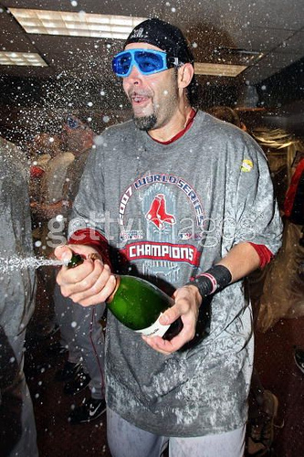 mike-lowell-boston-red-sox-drunk-pictures1.jpg